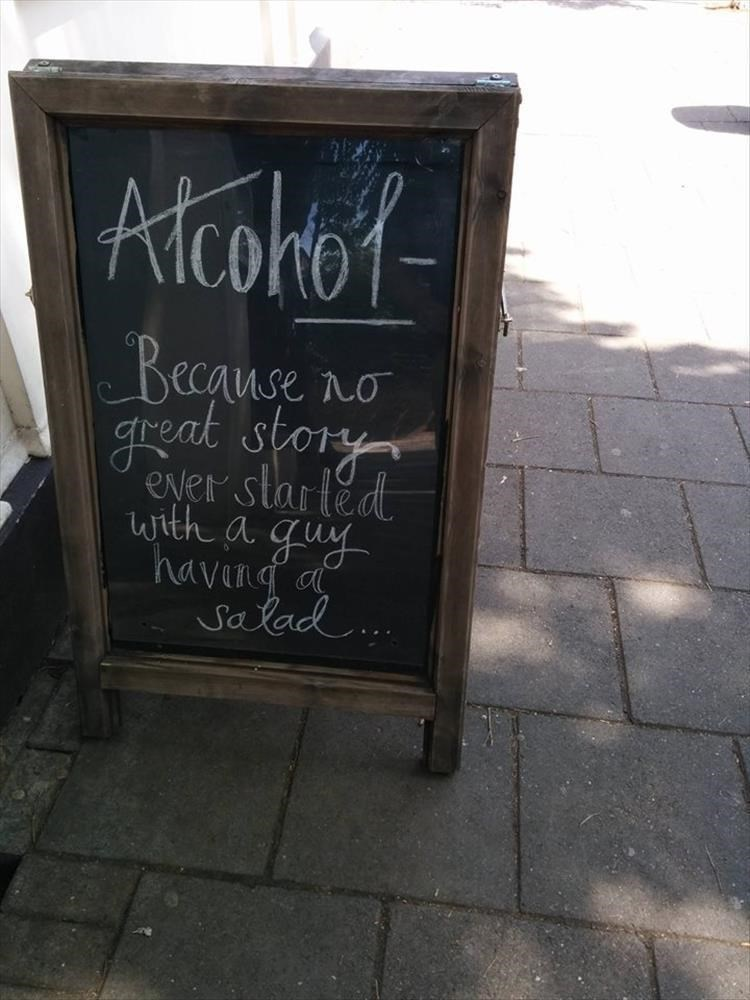 Blackboard - Alcoho Beeause great story eNer started with a guy havind a Salad
