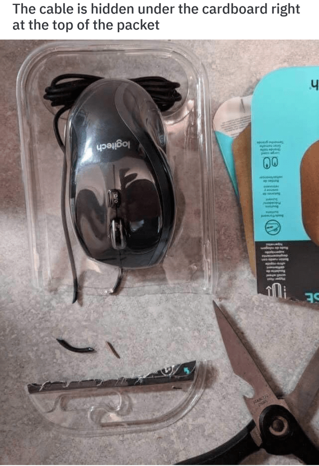 Eyewear - The cable is hidden under the cardboard right at the top of the packet apoe logitech Aspus pes 00 sung s sad opded au ap ua opana ussng oda on ap a Mi ANT Pian
