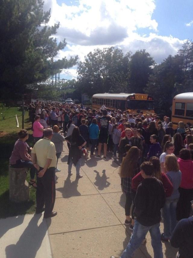 Crowd - SCHOOL BUS