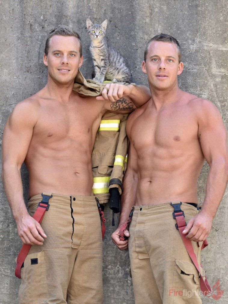 Barechested - तेछ Firefighlers