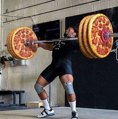 pic of weightlifter lifting pizzas