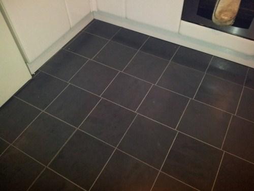 cursed_image - uneven tiles