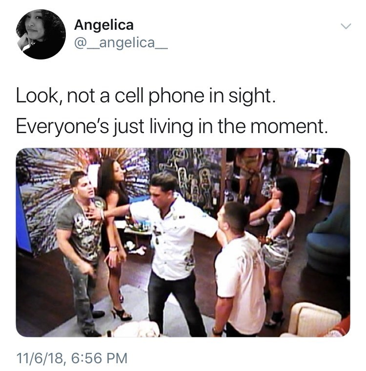 not a cell phone in sight tweet meme about jersey shore and everyone living in the moment by: @_angelica_