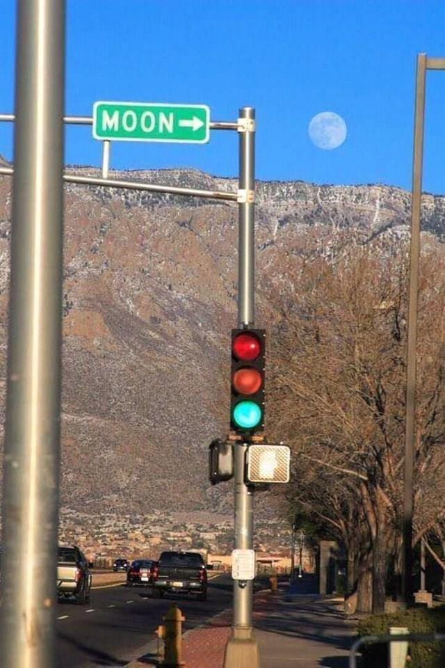 Traffic light - MOON