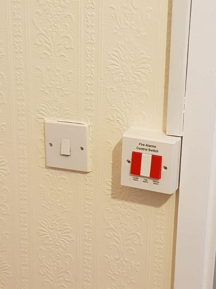 Power plugs and sockets - Fire Alarms Control Switch