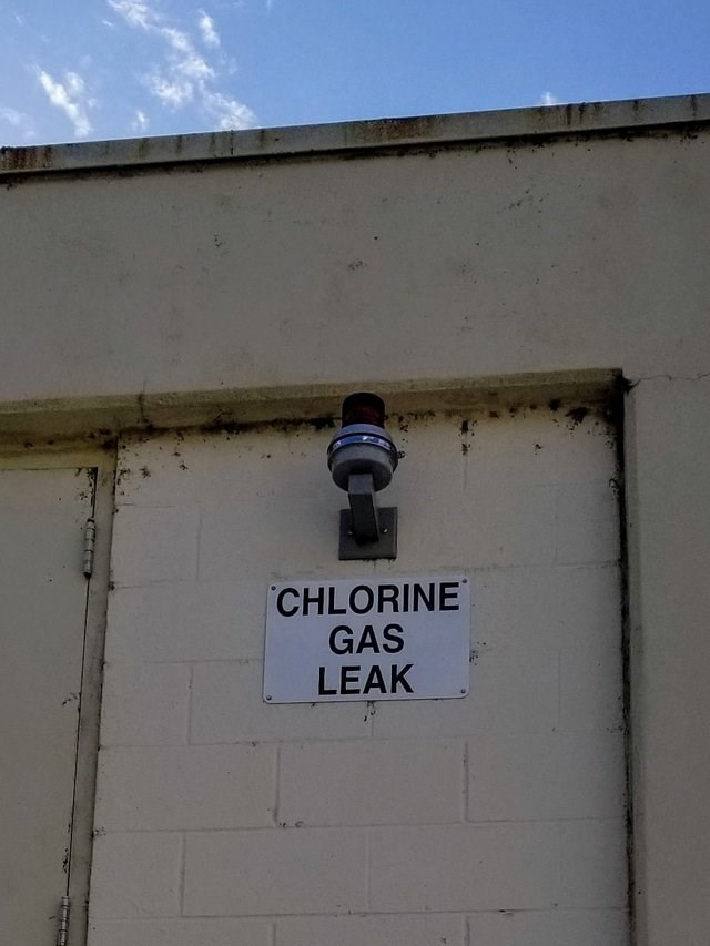 Wall - CHLORINE GAS LEAK