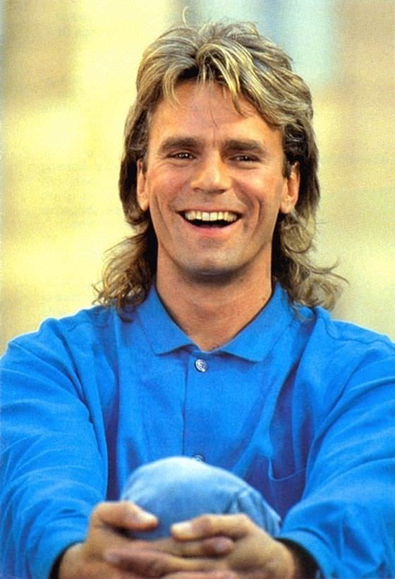 Mullet on young Richard Dean Anderson