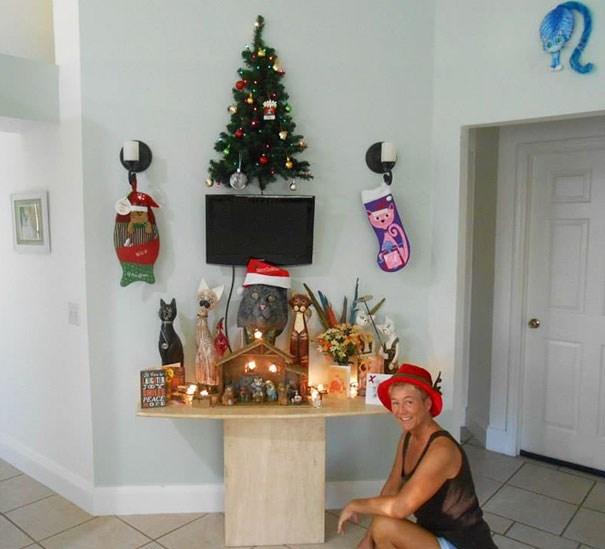Christmas tree - PEACE