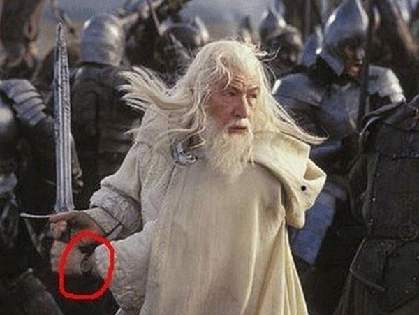lord of the rings scene wearing a watch during a battle-scene