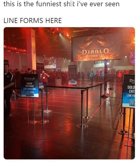 pic from a con showing the line for the Diablo Immortal panel being completely empty