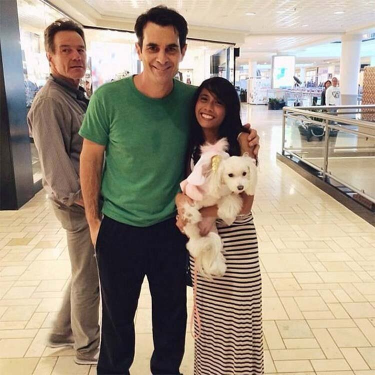 ty burrell celebrity photo-bombed by Arnold schwarzenegger