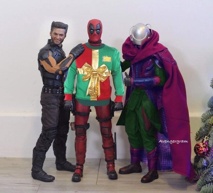 Ryan Reynolds Christmas prank recreated by action figures