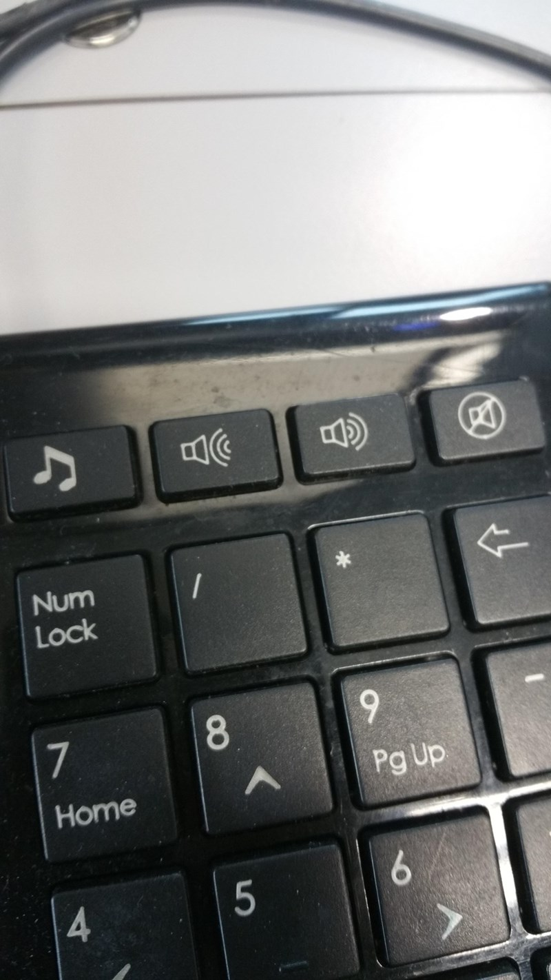 crappy design of volume button on keyboard