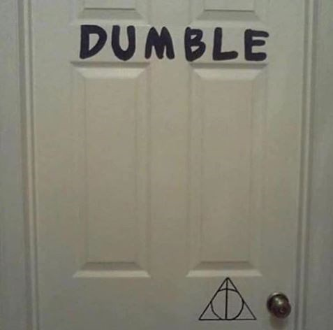 """Harry Potter meme with pic of a """"Dumble door"""""""