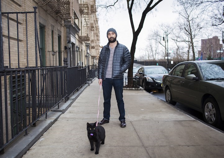 man loves cats - Street fashion