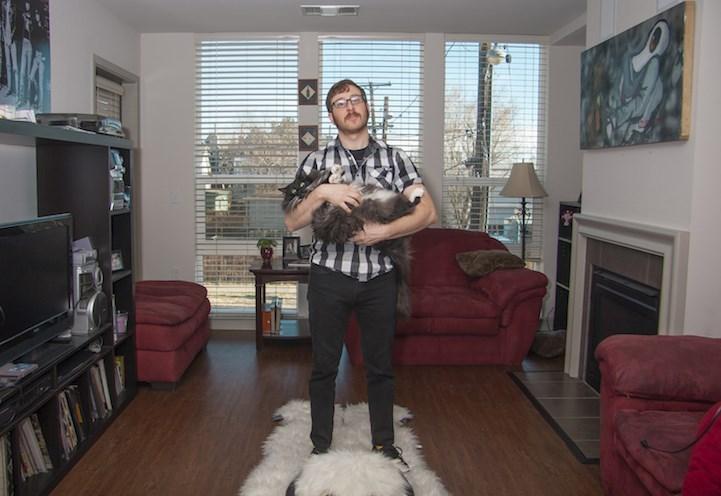 man loves cats - Room