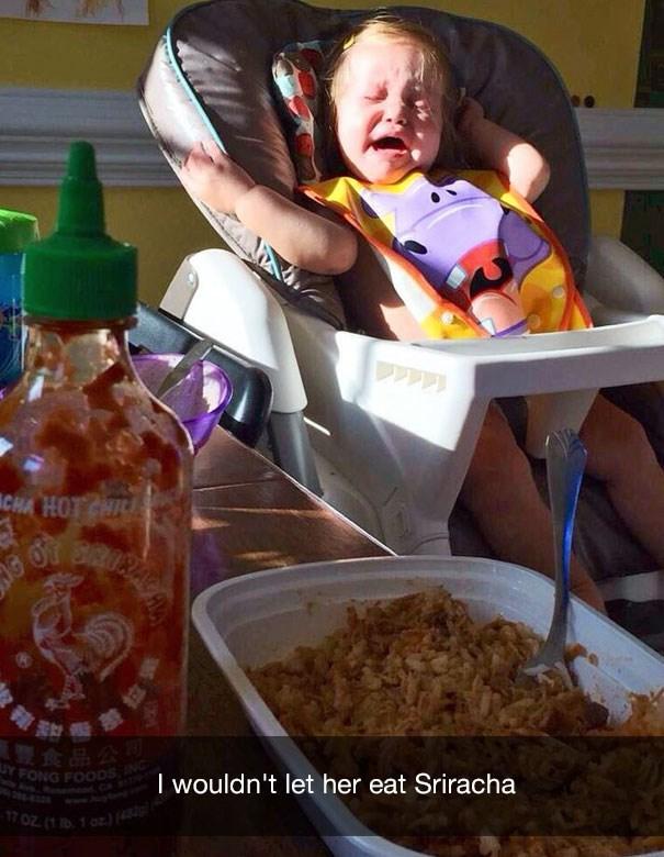 Food - CHA HOT HI 夏食品公司 UY FONG FOODSING I wouldn't let her eat Sriracha gtonk 0Z( 1 oz)