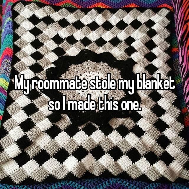 Crochet - Myroommate stoemy blanket solmade this one