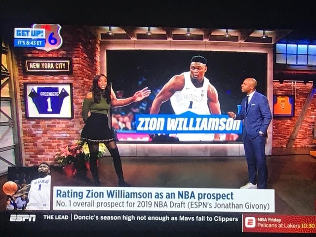 skewed perspective - Display device - GET UP! IT'S 8:43 ET NEW YORK CITY GREENBERG 1 ZION WILLIAMSOn BURE Rating Zion Williamson as an NBA prospect No.1 overall prospect for 2019 NBA Draft (ESPN's Jonathan Givony) THE LEAD Doncic's season high not enough as Mavs fall to Clippers ESPT NBA Friday Pelicans at Lakers 10:30
