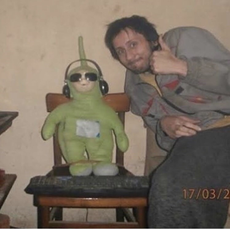cursed image - Sitting - 17/03/2