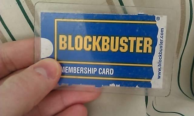 Text - BLOCKBUSTER MEMBERSHIP CARD www.blockbuster.com