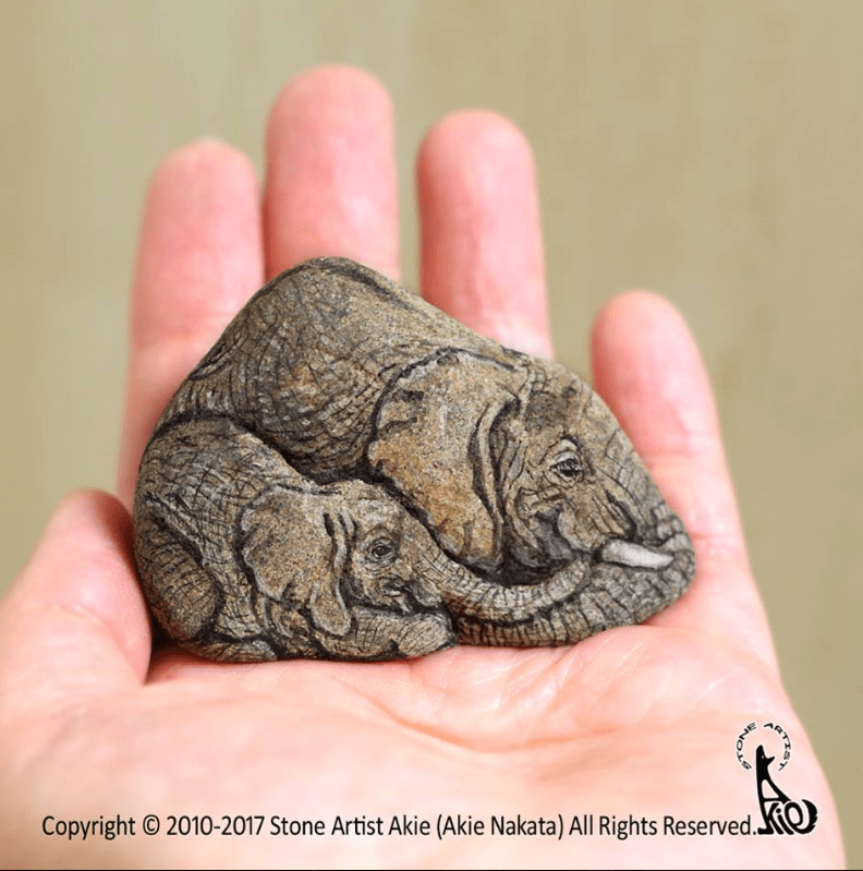 Hand - Copyright O 2010-2017 Stone Artist Akie (Akie Nakata) All Rights Reserved. NO