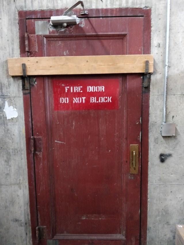 Red - FIRE DOOR DO NOT BLOCK