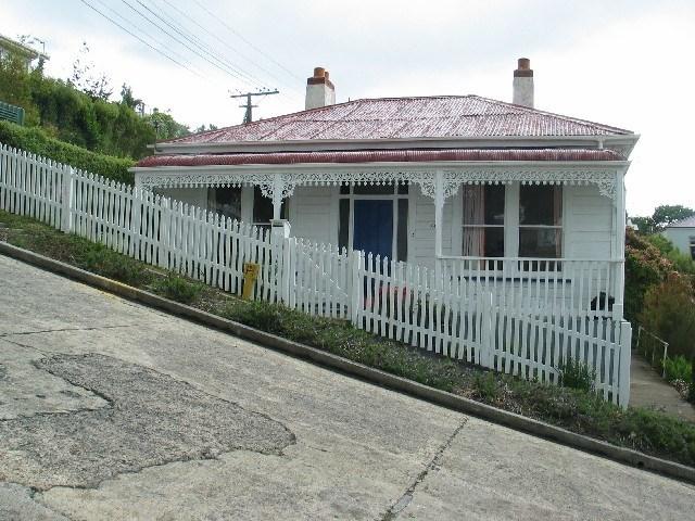 picture house next to steepest street in New Zealand