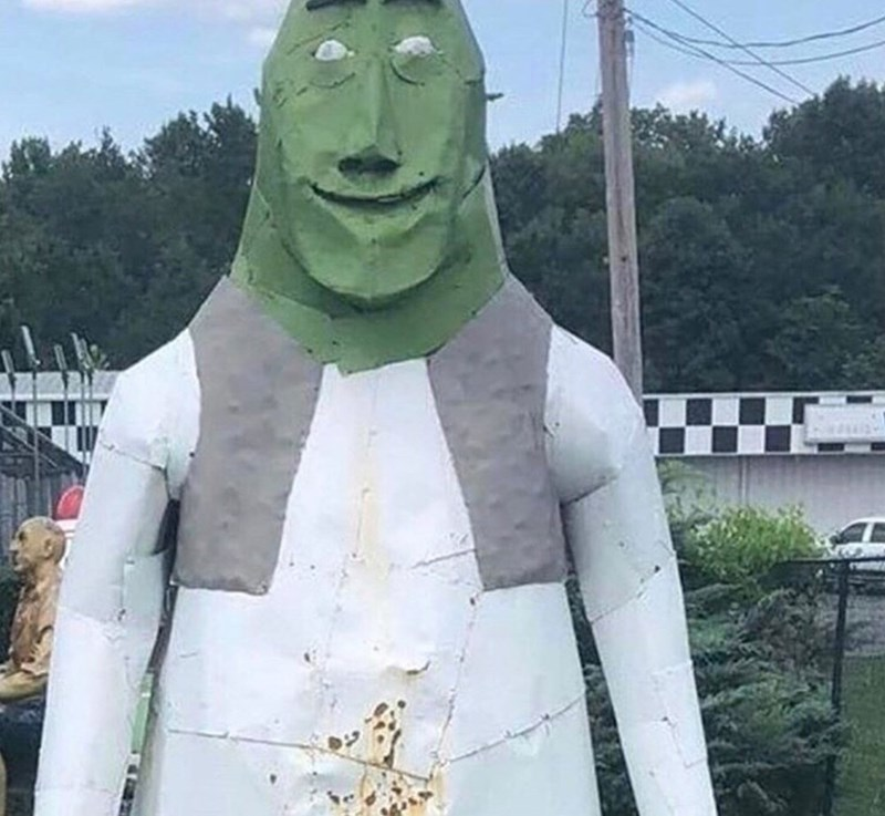 cursed_image - Sculpture of shrek
