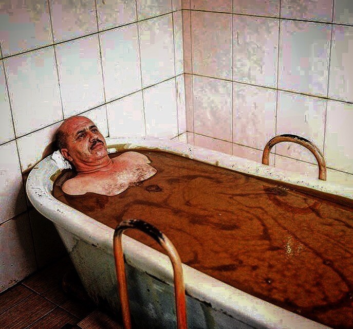 cursed_image - Bathtub dirty