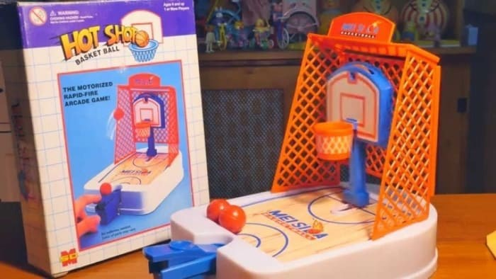 Toy - HOT SHOO BASKET BALL THE MOTORIZED RAPID-FIRE ARCADE GAMEY MEISI