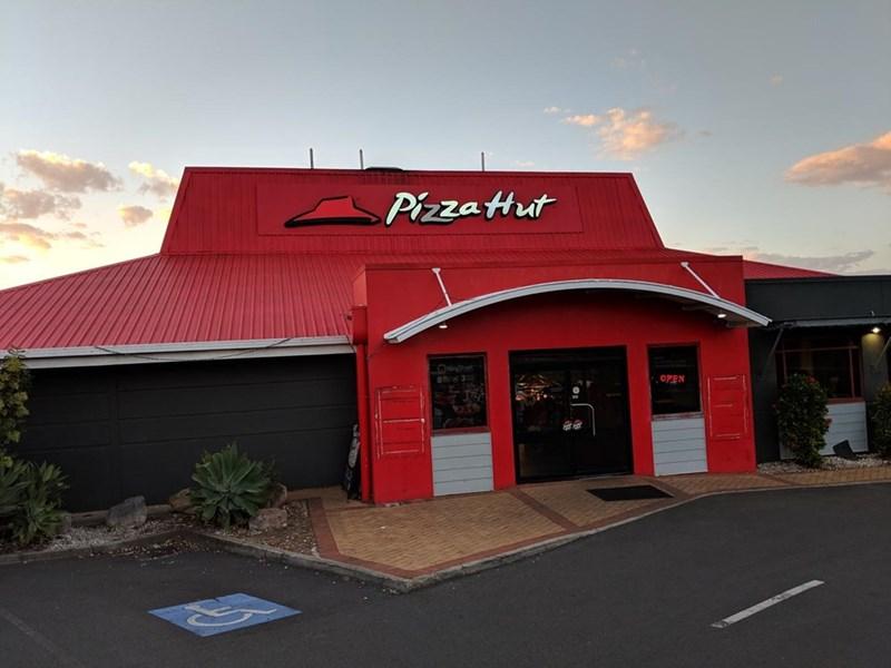 "Sky - Pizza Hut 8 NEHO"""