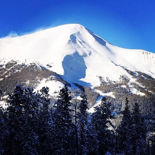 optical illusion - Mountainous landforms
