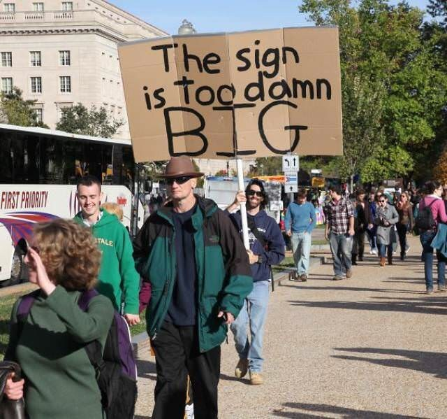 Protest - The sign is too damn BIG FIRST PRORITY TALE idi