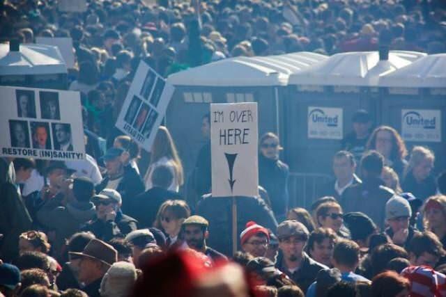 Crowd - Unitad United IM OVER HERE FR ET RESTORE IN)SANITY