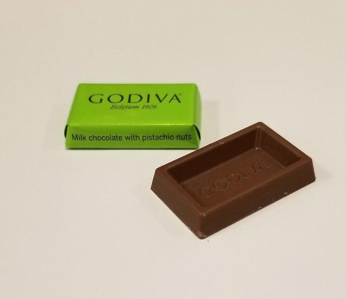 Chocolate - GODIVA Beleium 1926 Milk chocolate with pistachio nuts GODNE