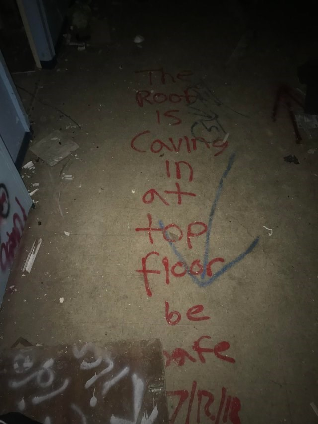 Text - The Roofo 1 Conne ID at top be afe