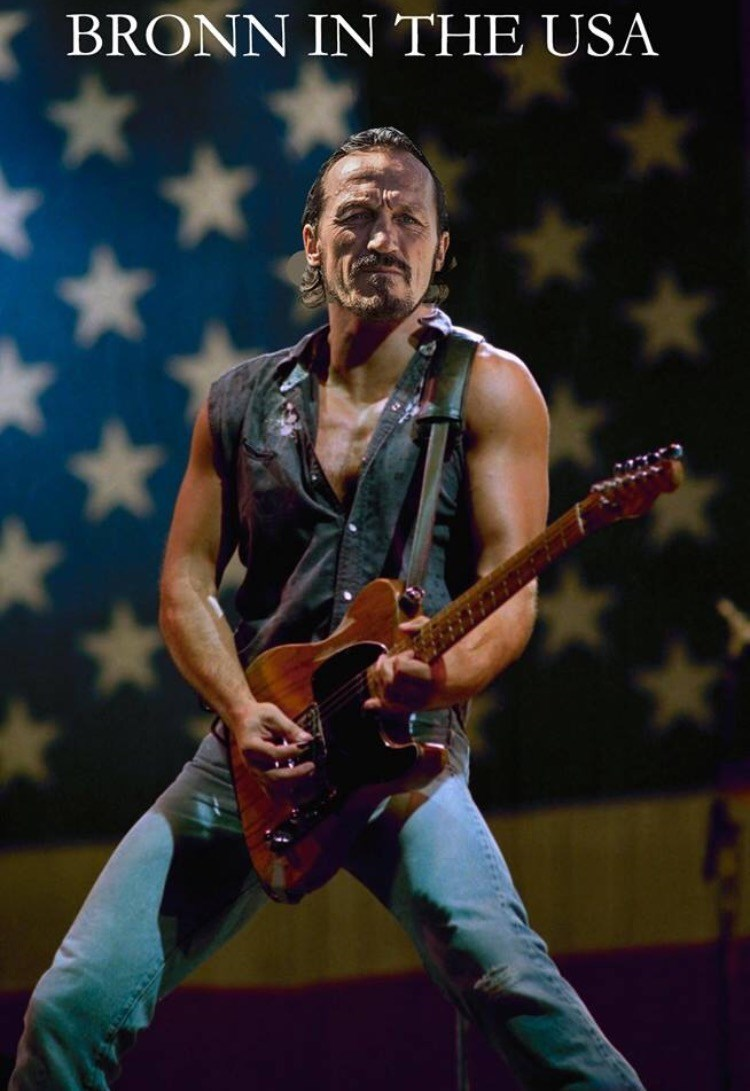 Game of Thrones shitpost with Bronn as a rock star