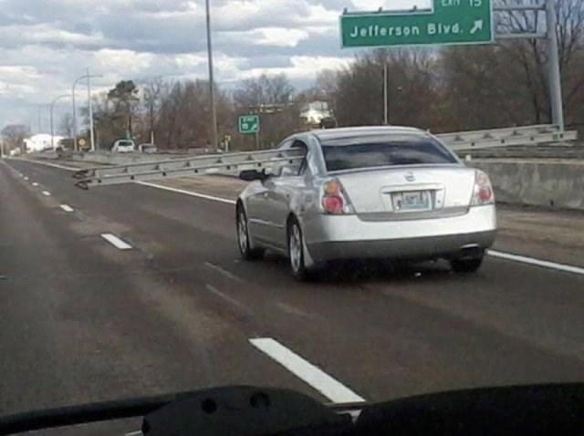 Land vehicle - Jefferson Blyd.