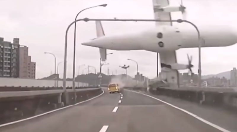 photos of terrifying things happening on dashcams