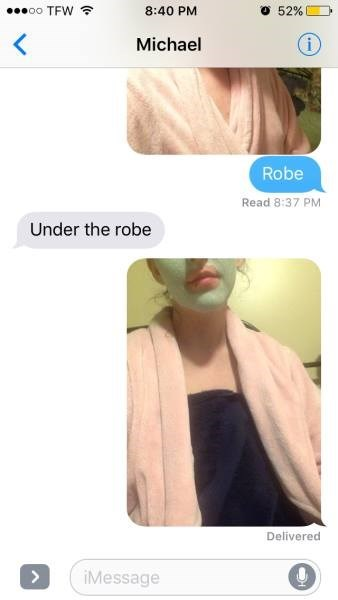 Skin - oo TFW O 52 % 8:40 PM Michael Robe Read 8:37 PM Under the robe Delivered iMessage