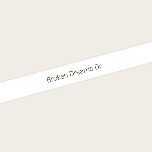 Text - Broken Dreams Dr
