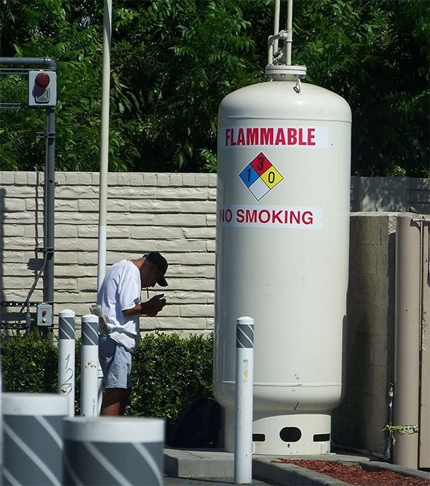 Cylinder - FLAMMABLE NO SMOKING