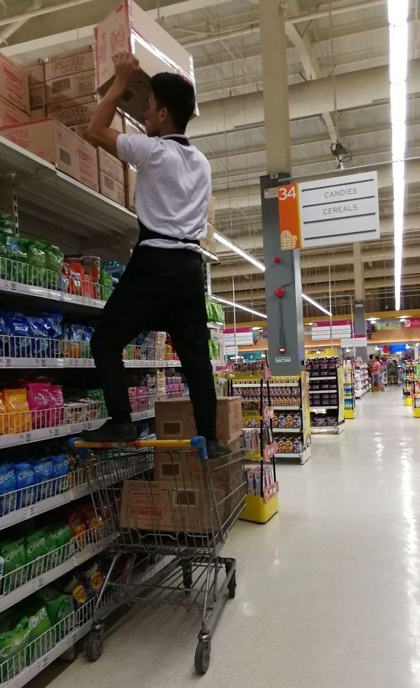 Supermarket - 34 CANDIES CEREALS