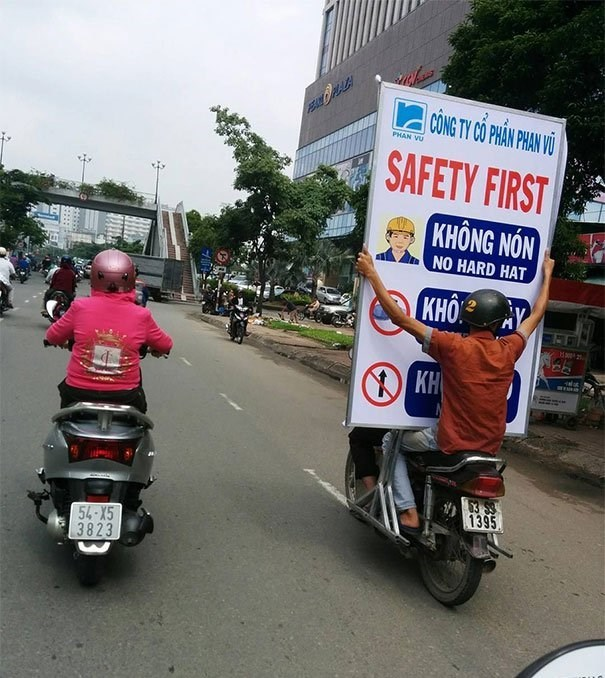 Motor vehicle - CONG TY CO PHAN PHAN VU PESAL OPLALA PHAN VU SAFETY FIRST KHONG NON NO HARD HAT KHO AY 2 KH 63 $9 1395 54-X5 3823