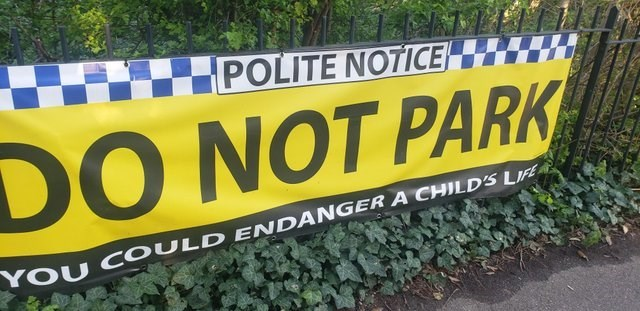 Banner - POLITE NOTICE DO NOT PARK YOU COULD ENDANGER A CHILD'S LIFE