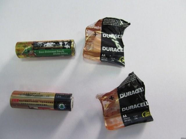 Product - DURACE DURACE Green Environment Friendly Alkaline Battery AA Awne www 1SV leta 1.5 aas DURACEL ANSANRKARKS ecea DURACELL MAR 201 AA 15V kine MNIS0