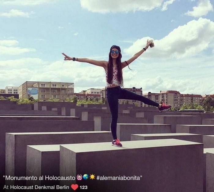 "Sky - ""Monumento al Holocausto #alemaniabonita"" At Holocaust Denkmal Berlin 123"