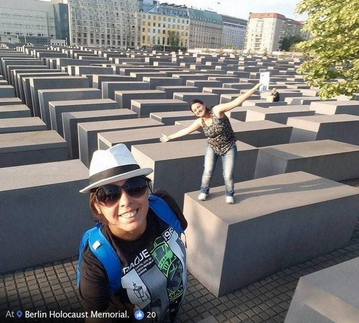 Architecture - PAGUE L CITY OF At Berlin Holocaust Memorial. 20 369