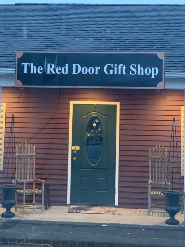 Building - The Red Door Gift Shop